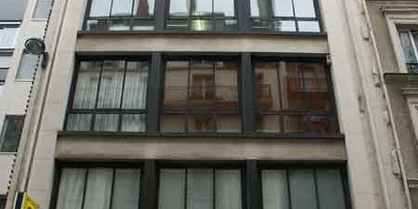 rue de rochechouart 75009 paris. Black Bedroom Furniture Sets. Home Design Ideas