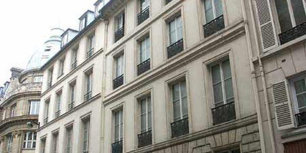 rue saint georges 75009 paris. Black Bedroom Furniture Sets. Home Design Ideas