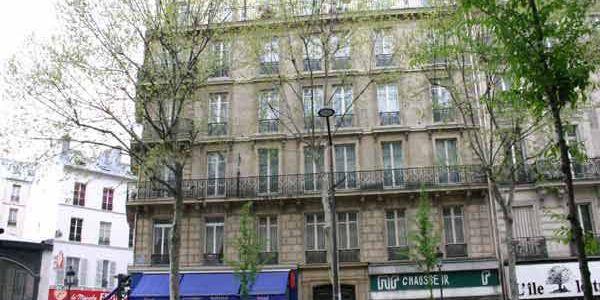 rue des petits h tels 75010 paris. Black Bedroom Furniture Sets. Home Design Ideas
