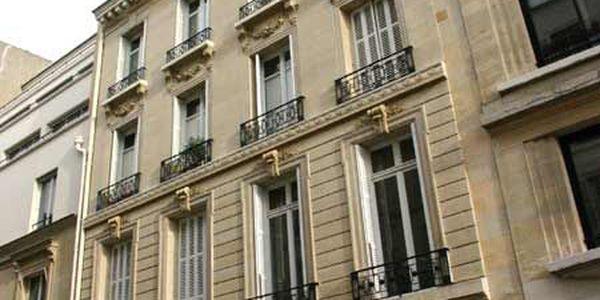 rue de la rochefoucauld 75009 paris. Black Bedroom Furniture Sets. Home Design Ideas