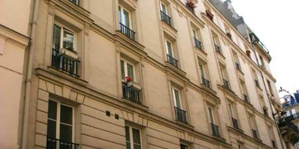 rue d 39 arras 75005 paris. Black Bedroom Furniture Sets. Home Design Ideas