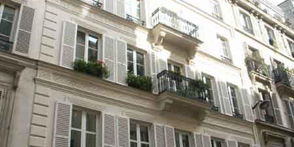 rue la bruy re 75009 paris. Black Bedroom Furniture Sets. Home Design Ideas