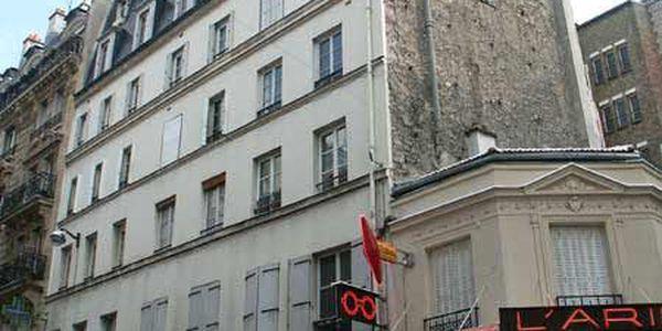 rue des martyrs paris 75018 75009. Black Bedroom Furniture Sets. Home Design Ideas