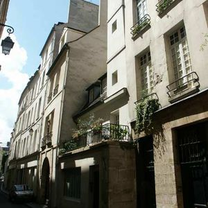 16 rue de bi vre 75005 paris. Black Bedroom Furniture Sets. Home Design Ideas